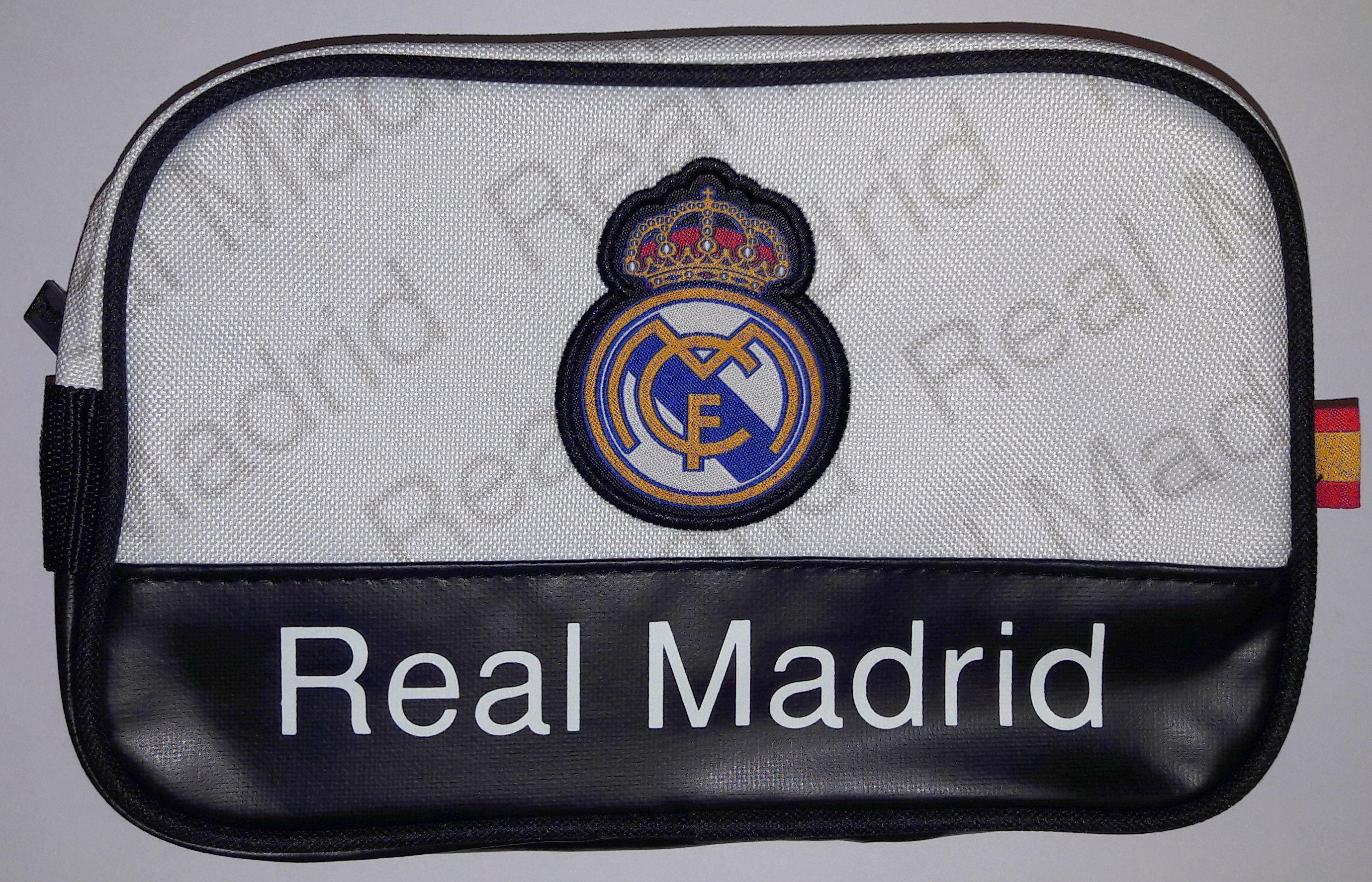 88ed5589da86 Real Madrid neszeszer táska - Real Madrid